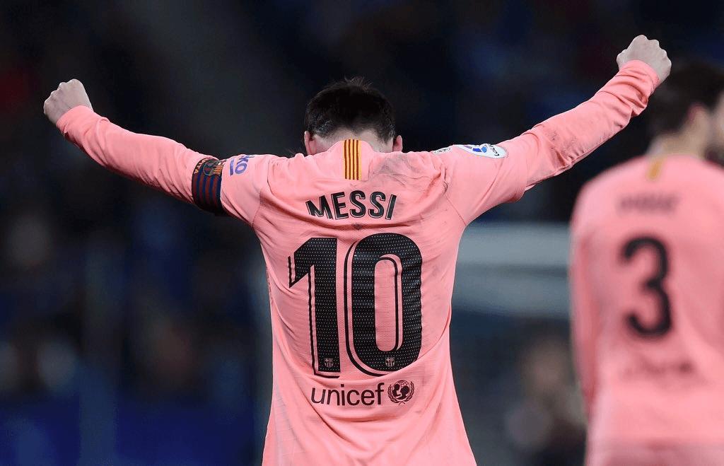 Messi volta a demonstrar que não é deste planeta com uma exibição ... 0476302ebb65f