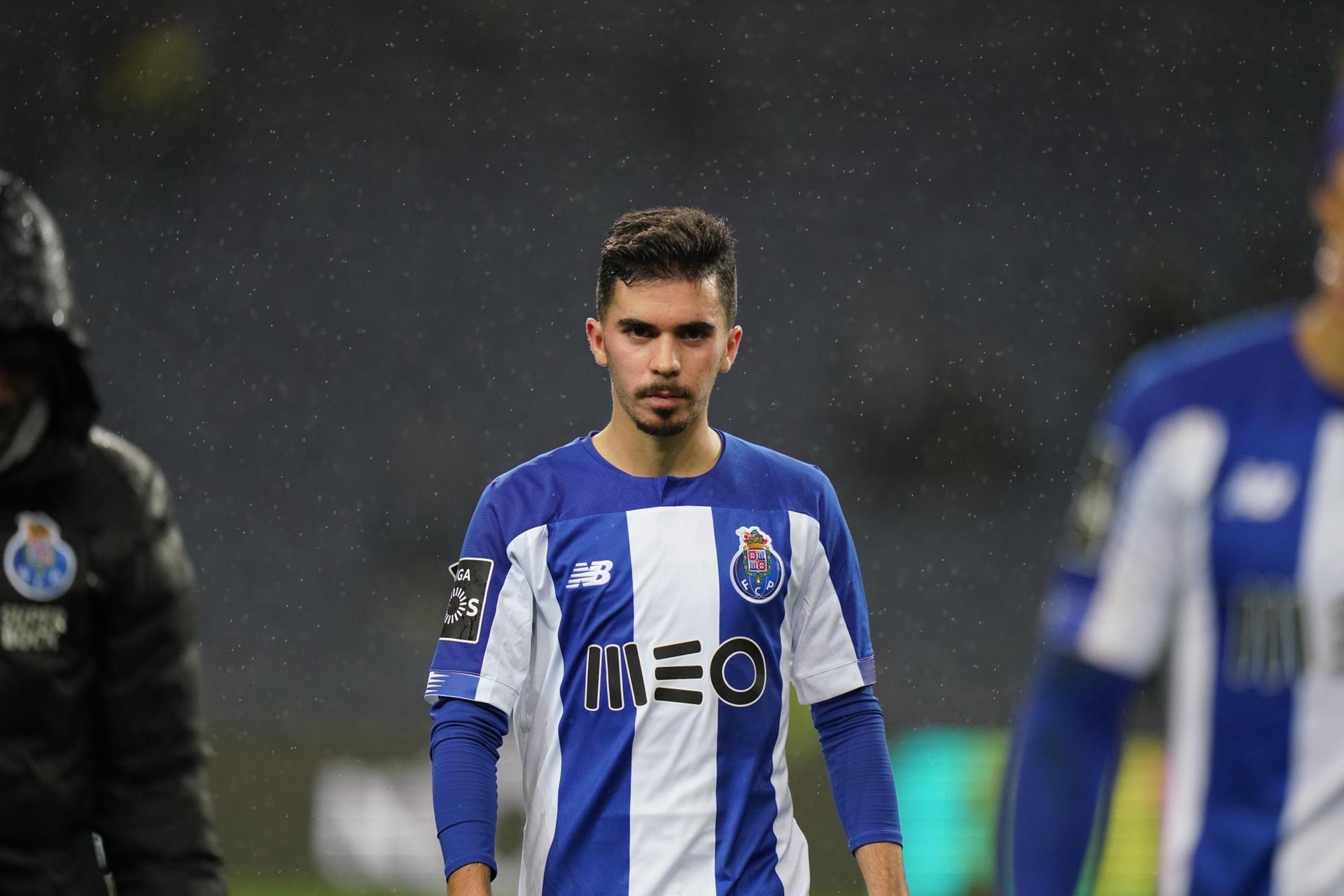 FC Porto: Saravia, Baró, Loum, Vitinha e Zé Luís titulares